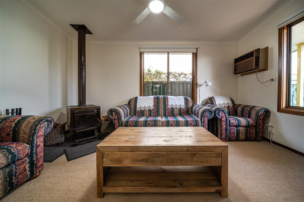 Flinders Ranges Bed and Breakfast - Lounge Room