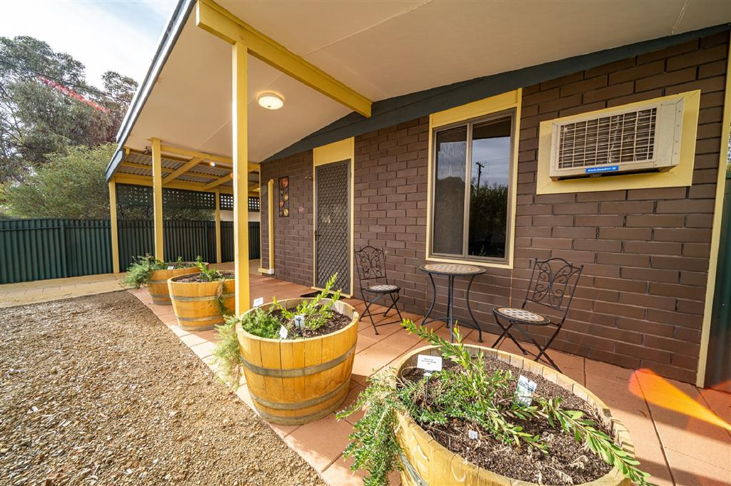 Flinders Ranges Bed and Breakfast - 72B Arkaba Street, Hawker, South Australia