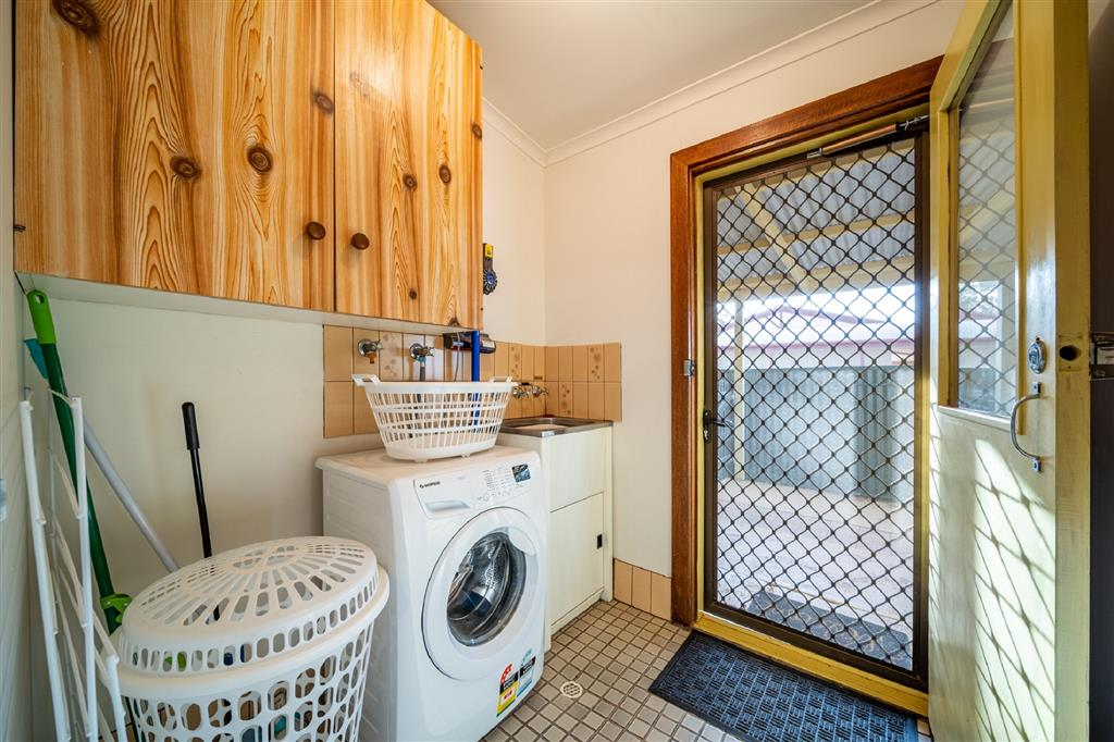 Flinders Ranges Bed and Breakfast - Laundry