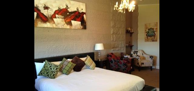 Catherine McCauley Room 10 - 4x6.8m.  King bed & ensuite ++