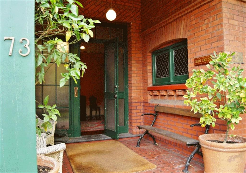 Buxton Manor - North Adelaide - Entrance to George Lowe Esquire Apartment