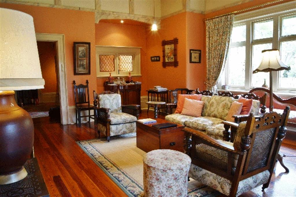 Buxton Manor - North Adelaide - Living Room