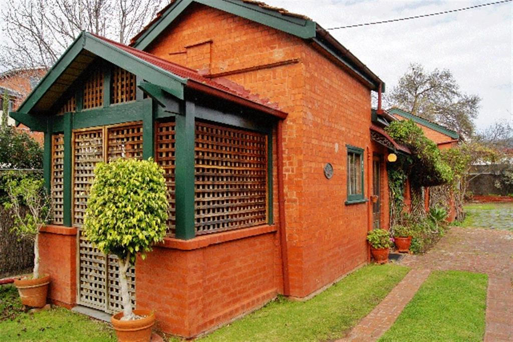 Buxton Manor - North Adelaide - Paprika Cottage