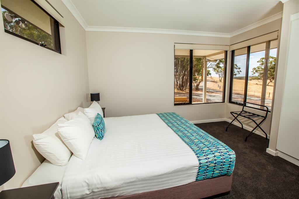 Neagles Retreat Villas - Clare Valley - King Size Beds are the Feature in the bedrooms and offering great views.