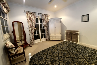 The Pavilion Romantic Cottage - 2 Night+ Rate
