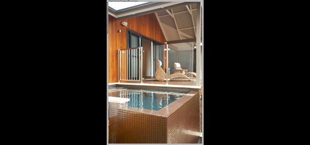 Heated plunge pool