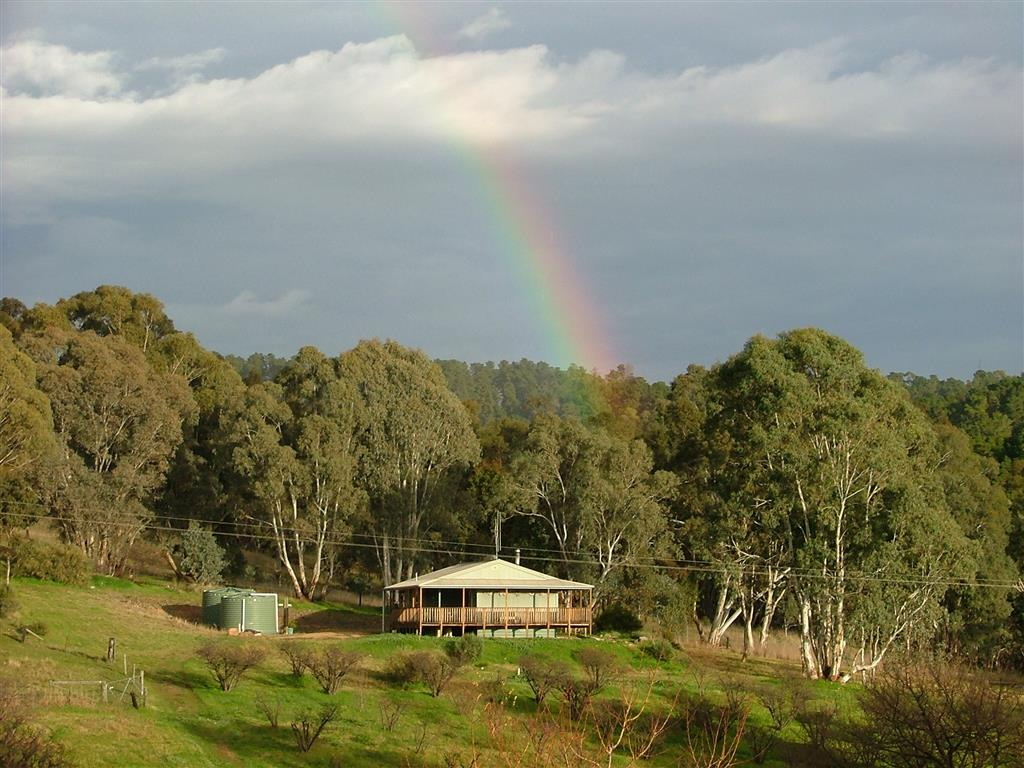 Taralee Orchards - Ruby Cottage at the end of the rainbow