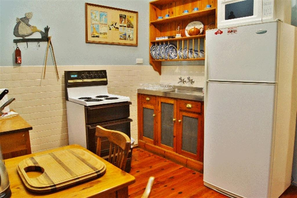 Buxton Manor - North Adelaide - Kitchen