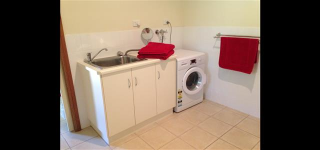 Laundry Tub & Washing Machine