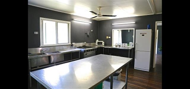 Billabong House kitchen