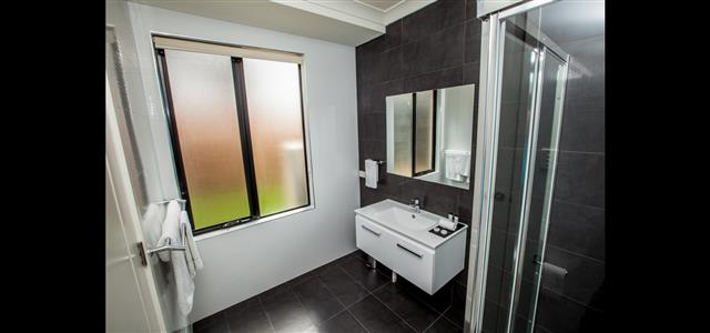 Ensuite with large shower area