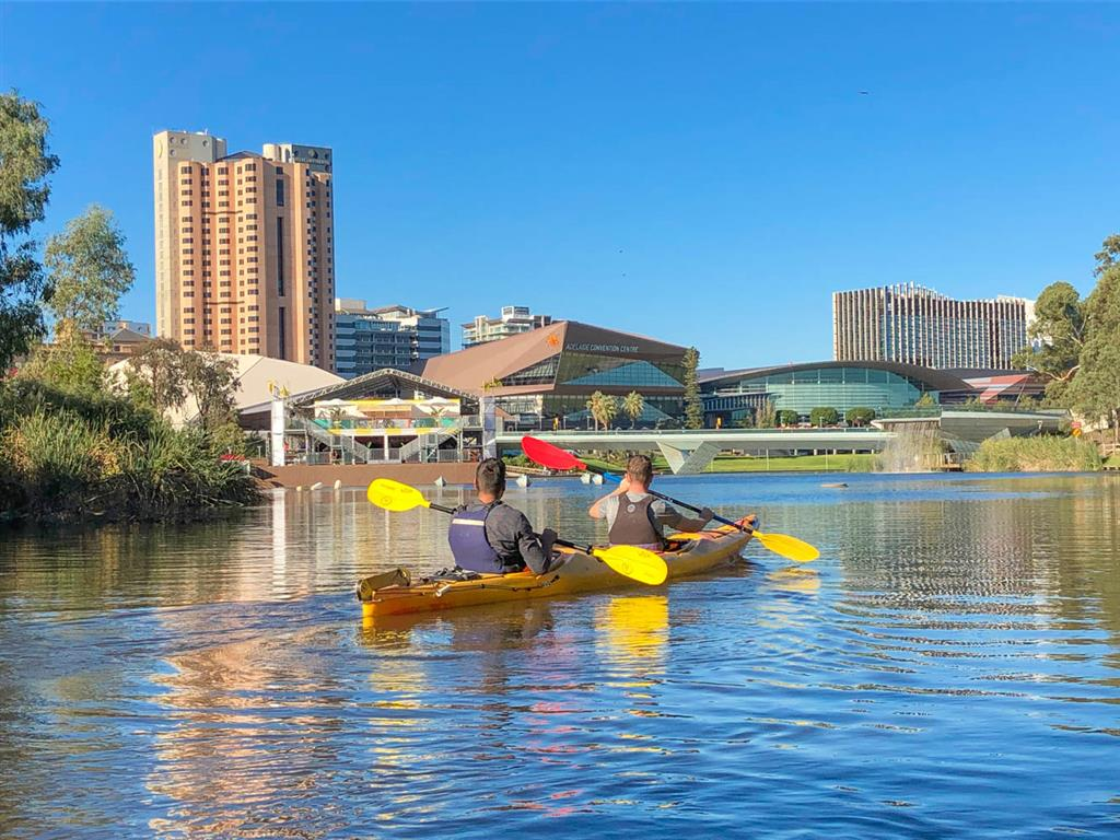 Earth Adventure - Kayaking the City - An Adventure on The Torrens